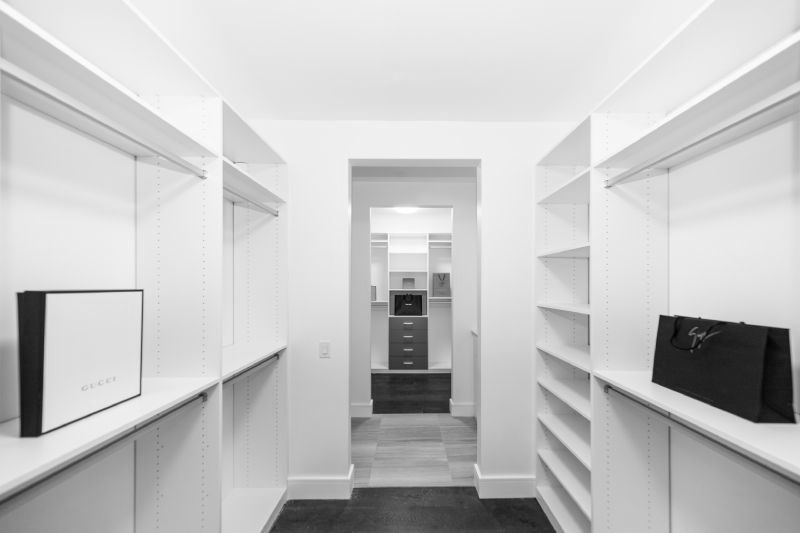 WHY ARE CLOSET CLEANOUTS SO SATISFYING – YEARNING FOR A LIFE THAT SPARKS JOY